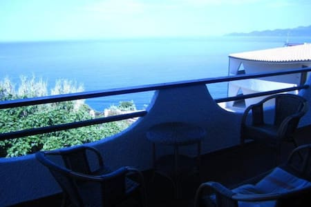 Beautiful Villa - garden & seaside - Bosa