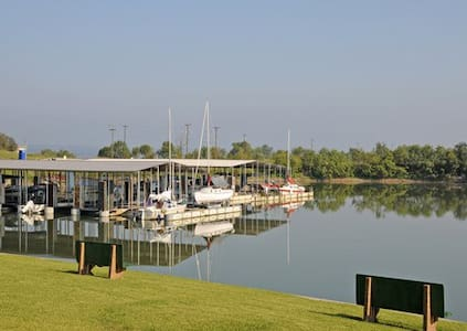 *Runaway Bay,TX, 1 Bedroom #2 /0878 - Appartement