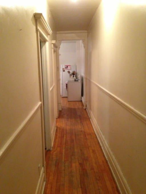 Mile End  -  Spacious Apartment