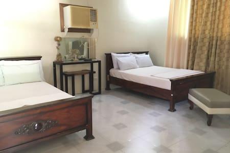 Serene family room - Villa