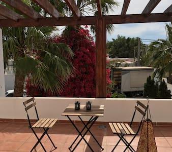 Ático con maravillosas vistas wifi - Rodalquilar - Apartmen