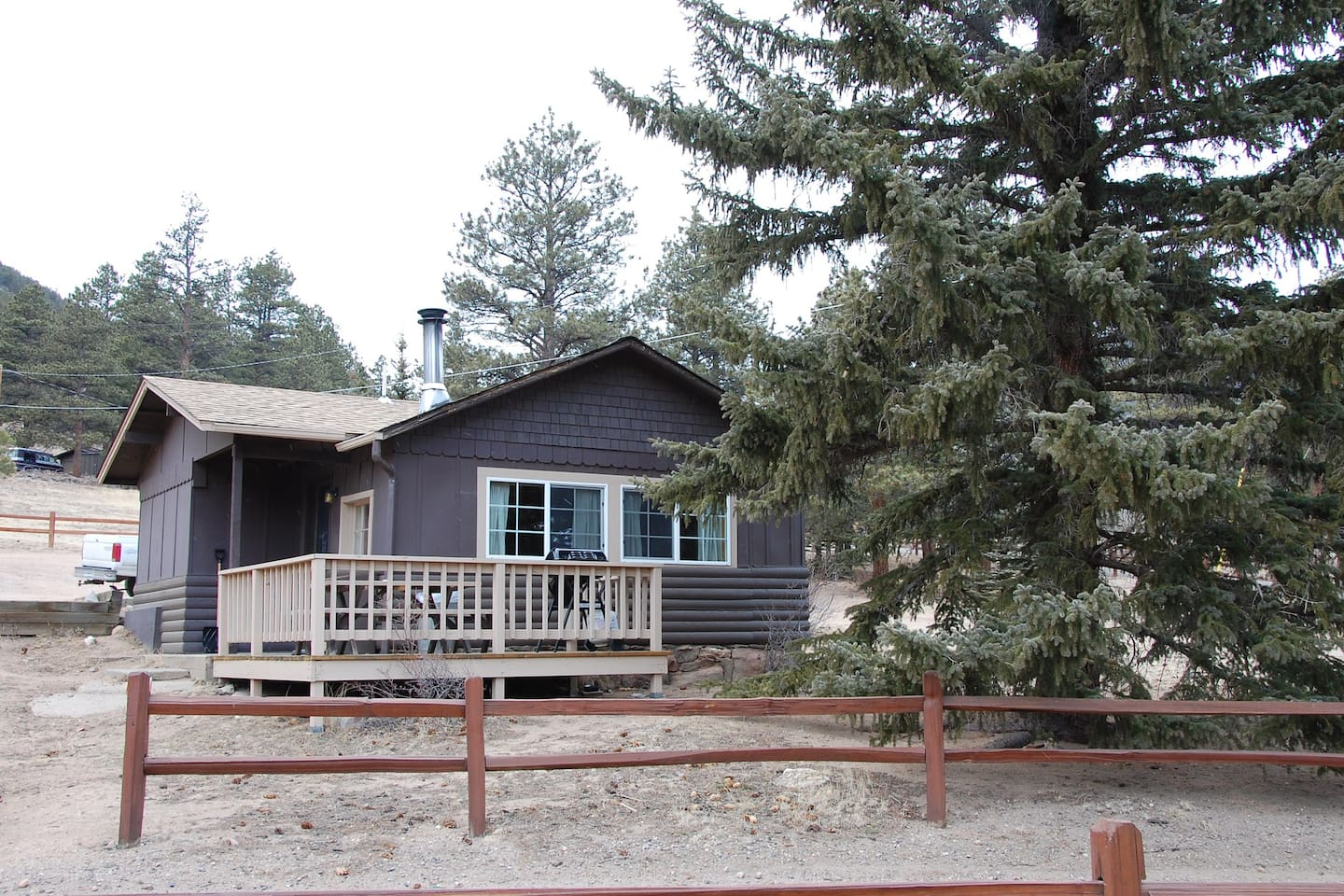 Cozy Rocky Mountain Cabin Cabins For Rent
