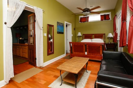 NOLA'S STUDIO central to everything - New Orleans - Andere