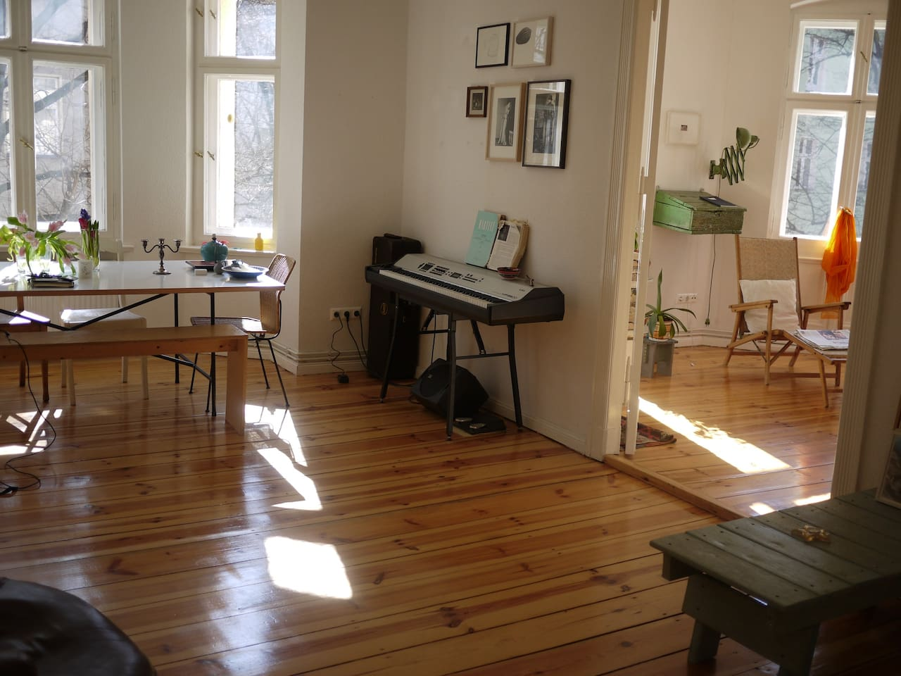 sunny & bright living/reading rooms