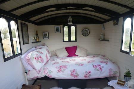 Gypsy Caravan Old Windsor Windsor - Alpstuga