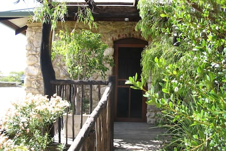 Peppi Grove Beach Limestone Retreat - Wohnung