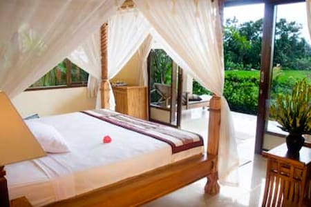 Deluxe room overlooking to the rice field views