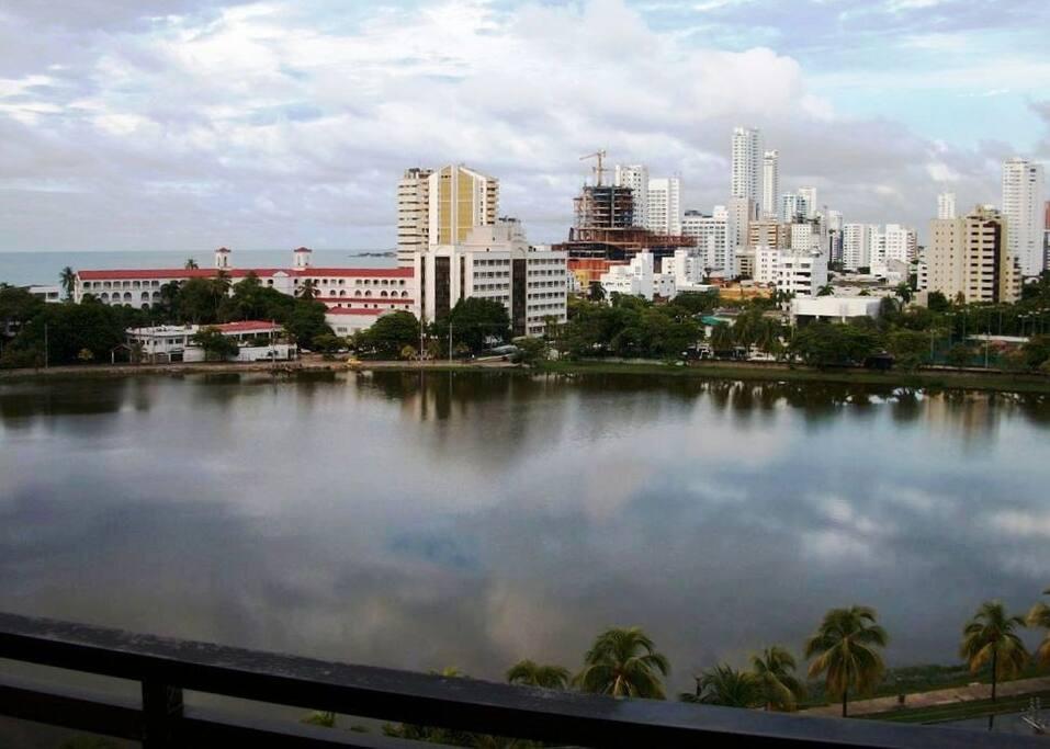 Vista desde la terraza de la sala.. Apartamento de 133m2 incluyendo garage privado + Piscina + BBQ + Playa a 2 cuadras..
