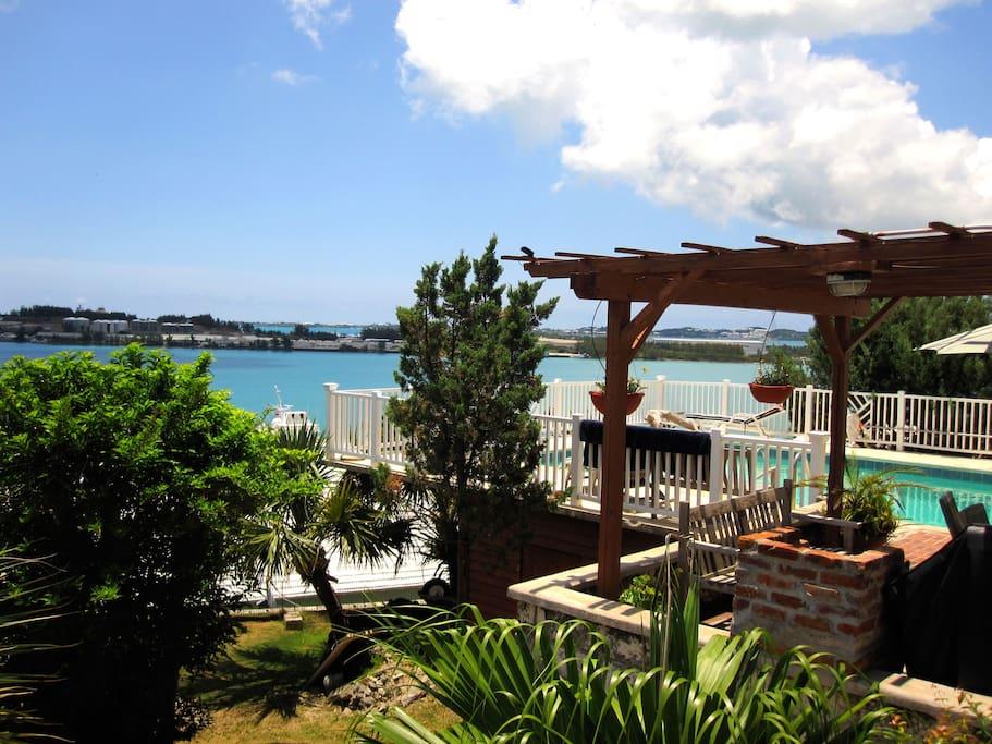 Quarterdeck-Ocean views with Pool