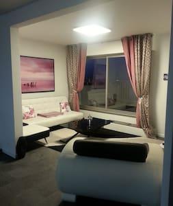 Appartement de 68m^2 avec terrasse - Appartement