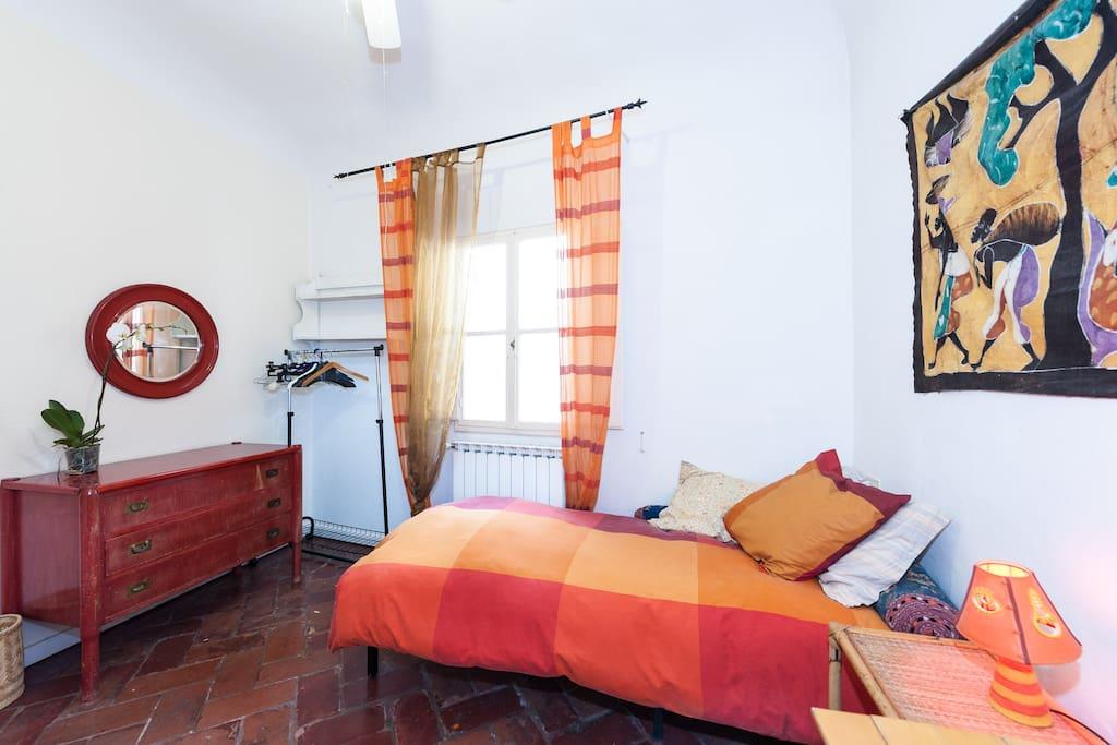 Room 1 to rent