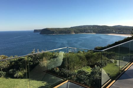 Ocean Front house in Copacabana - rare listing! - Hus