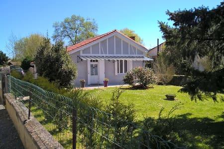 Location maisonnette de charme - Haus