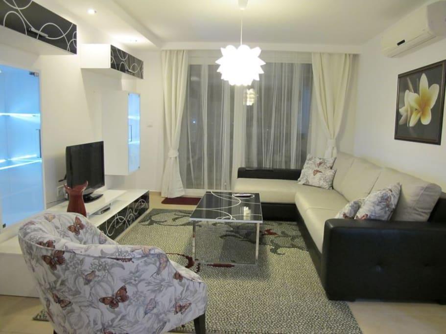 Babylon Side Apartment 76 - Wohnzimmer