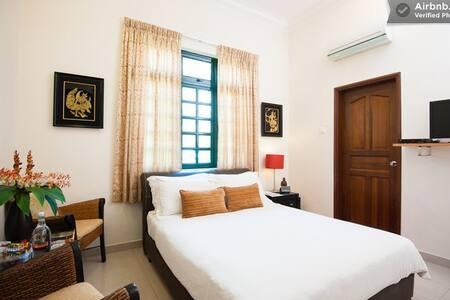 Deluxe Suite Jawadene KLIA  KLIA2 - Sepang - Bed & Breakfast
