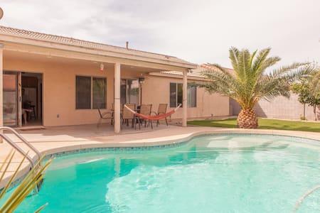 Southwestern Style Desert Oasis - Maison
