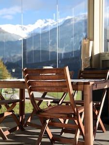 Beautiful and sunny apartment - Brienz/Brinzauls - Huoneisto