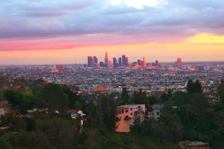 CITY VIEW HOLLYWOOD HILLS STUDIO  - Los Angeles - Apartment