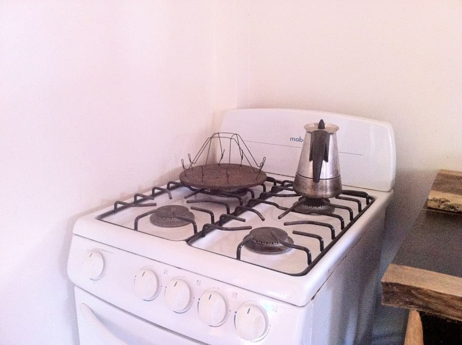 Full stove top and oven