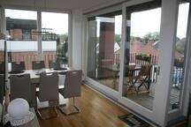 Freundliches Zimmer in 4-Zi-Wohnung