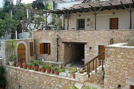 traditional cretan villa Ioanna  - Chania