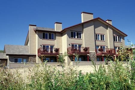 Bear Lake, UT Resort 2 Bdrm Condo - Garden City