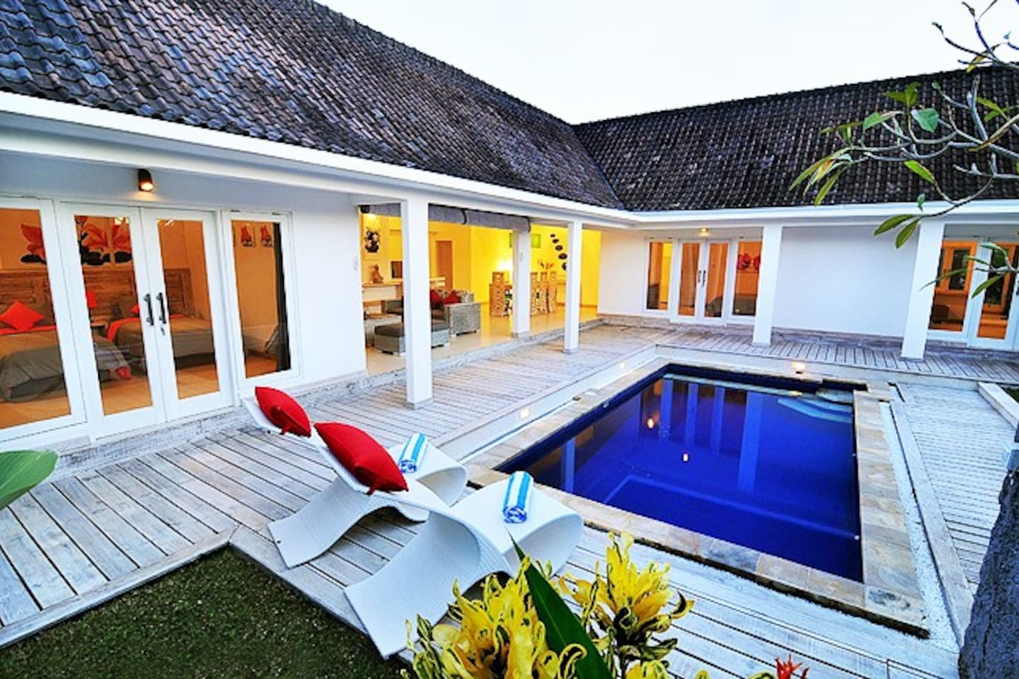 Nice Luxurious Fashionable Villa