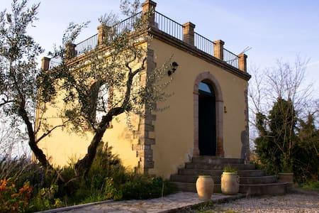 Antico torrino di caccia nobiliare - Castillo