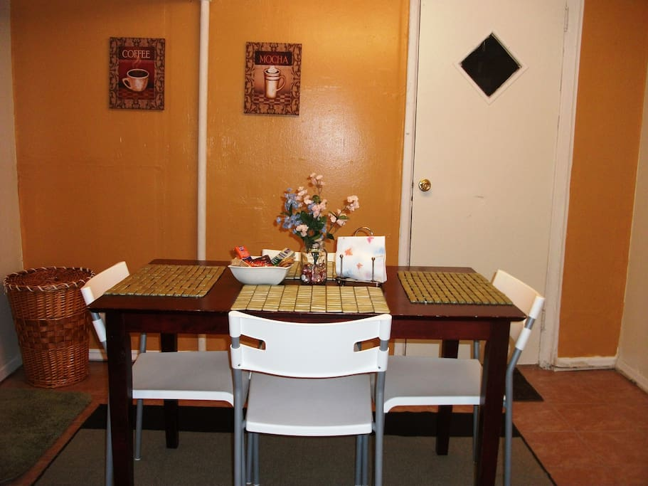 Eat-In Dining Room w/Free Snacks