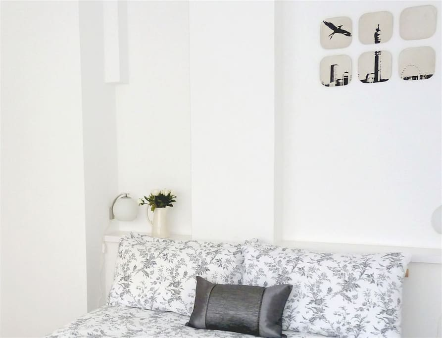 Bedroom: high quality 100% cotton bedding and an orthopaedic mattress for a comfortable night
