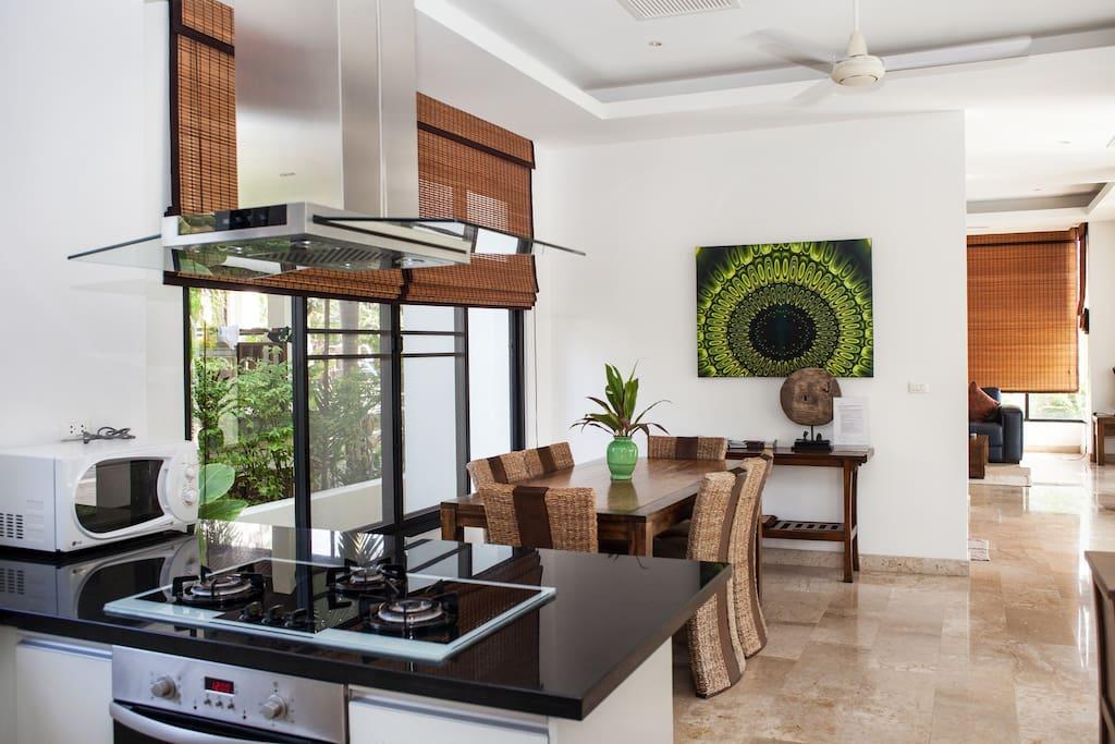 Dining & open plan kitchen