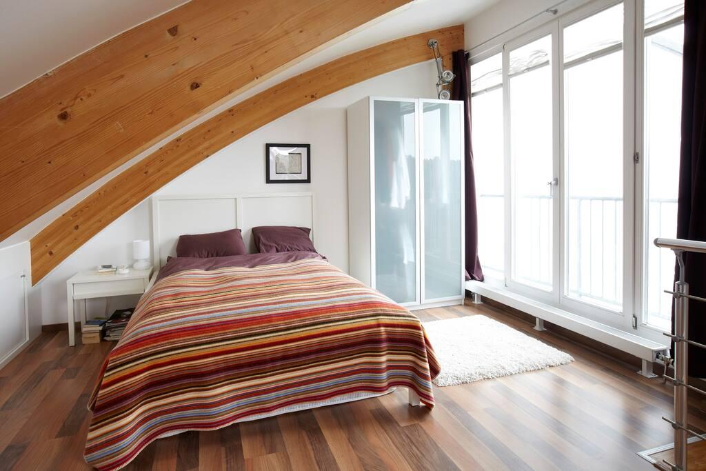 bedroom in upper deck