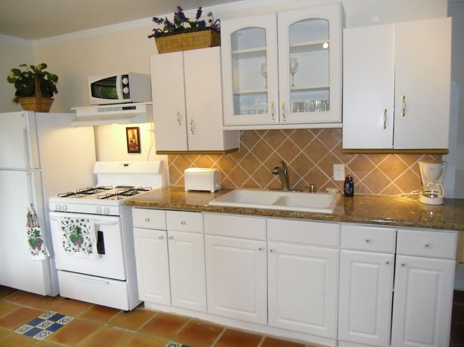 remodeled kitchen with all new appliances!