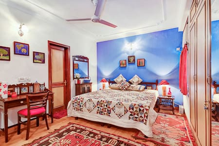 Room type: Private room Bed type: Real Bed Property type: Bed & Breakfast Accommodates: 4 Bedrooms: 1 Bathrooms: 1
