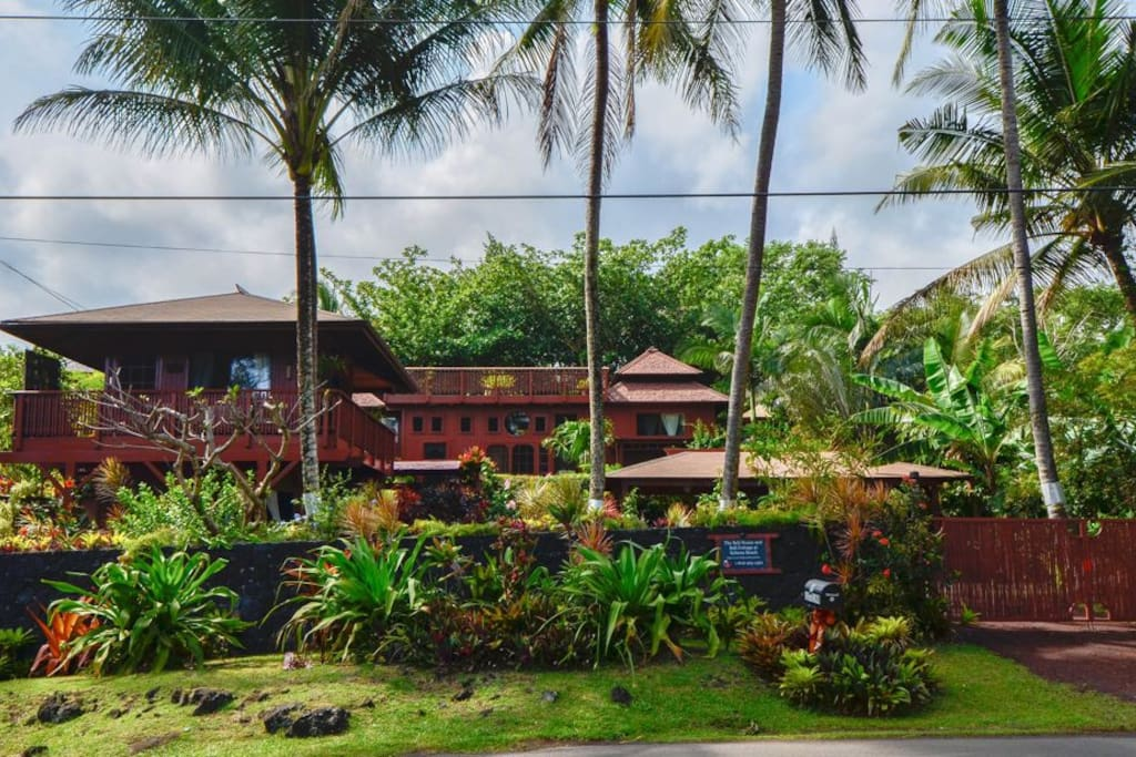 Romantic oceanfront bali cottage houses for rent in p hoa for Cottage bali