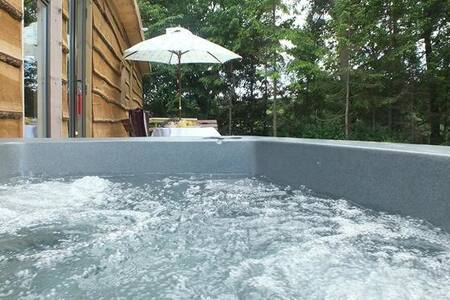 Woodcutters Cabin with Hot Tub - Derbyshire - Cabin