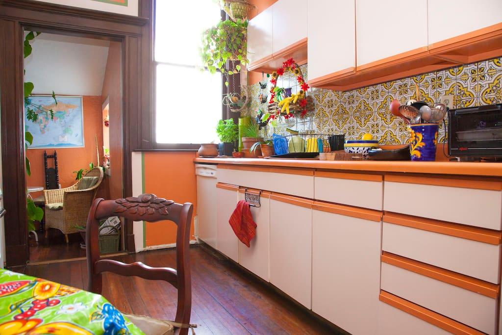 the kitchen & breakfast room