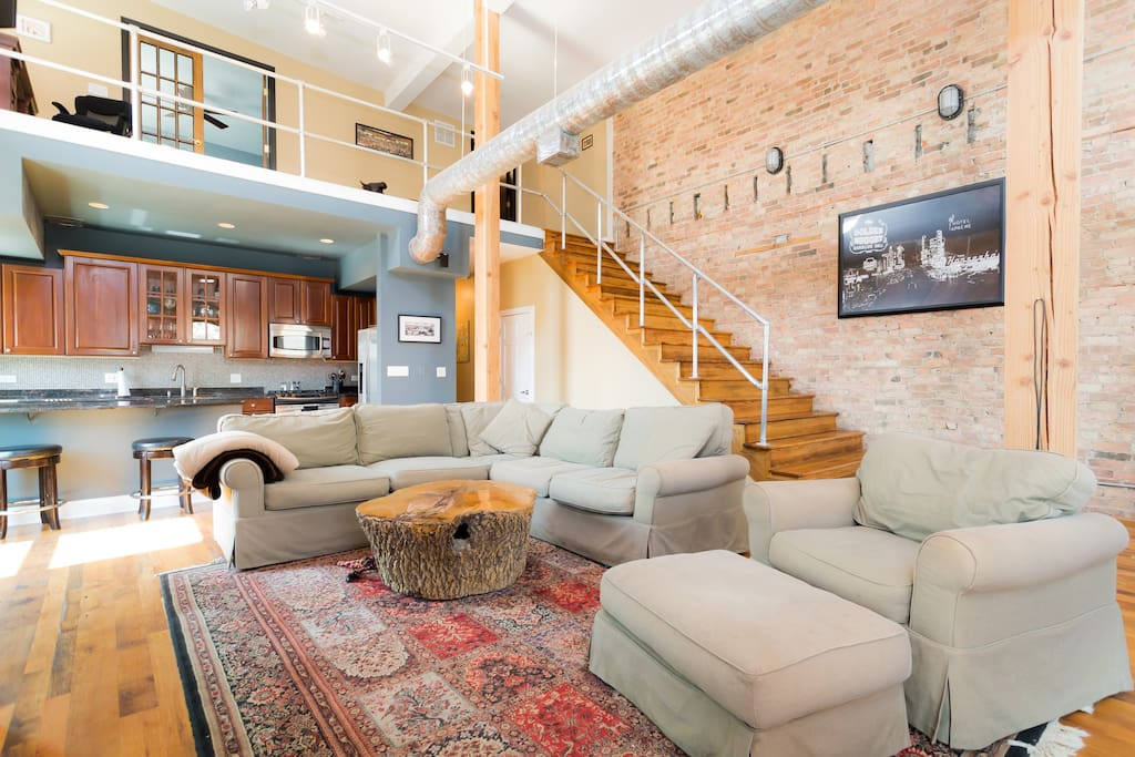 Old Town Chicago Penthouse!