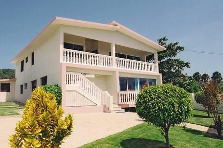 Villa Costa Verde in Playa Cofresi - Puerto Plata