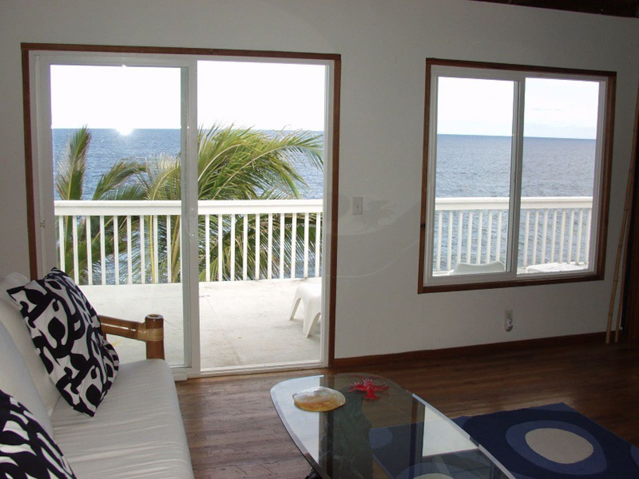 Oceanfront 2bd in Tropical Area