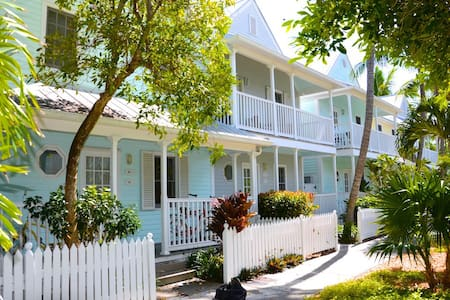 KEY WEST CONDO - WALK TO DUVAL ST. - Townhouse
