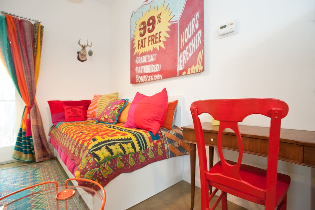 SOCO Artist's Funky Guesthouse