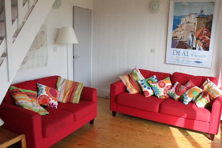 Pretty seaside holiday home nr Deal