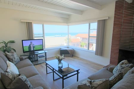 Oceanview condo with jacuzzi & BBQ! - Hermosa Beach - Apartamento
