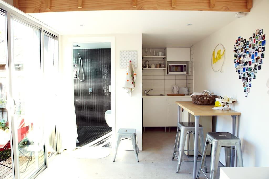 Bathroom Kitchen and breakfast table