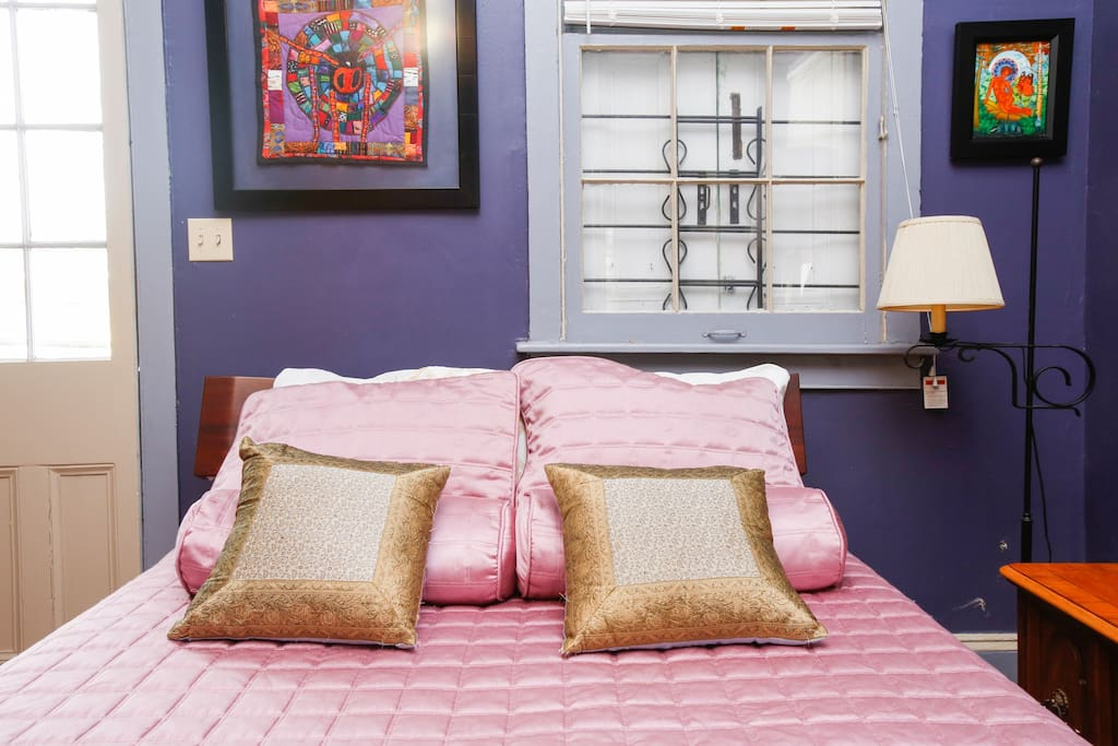 The master bed has a very comfortable queen size pillow mattress.