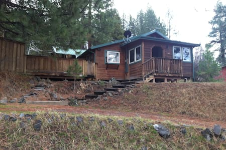 Awesome Cabin Near Crater Lake! - Chiloquin - House