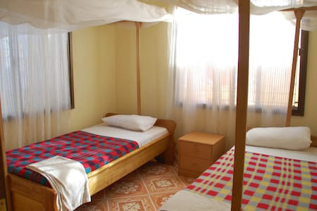 14 rooms, excellent value in Moshi - Moshi - Bed & Breakfast