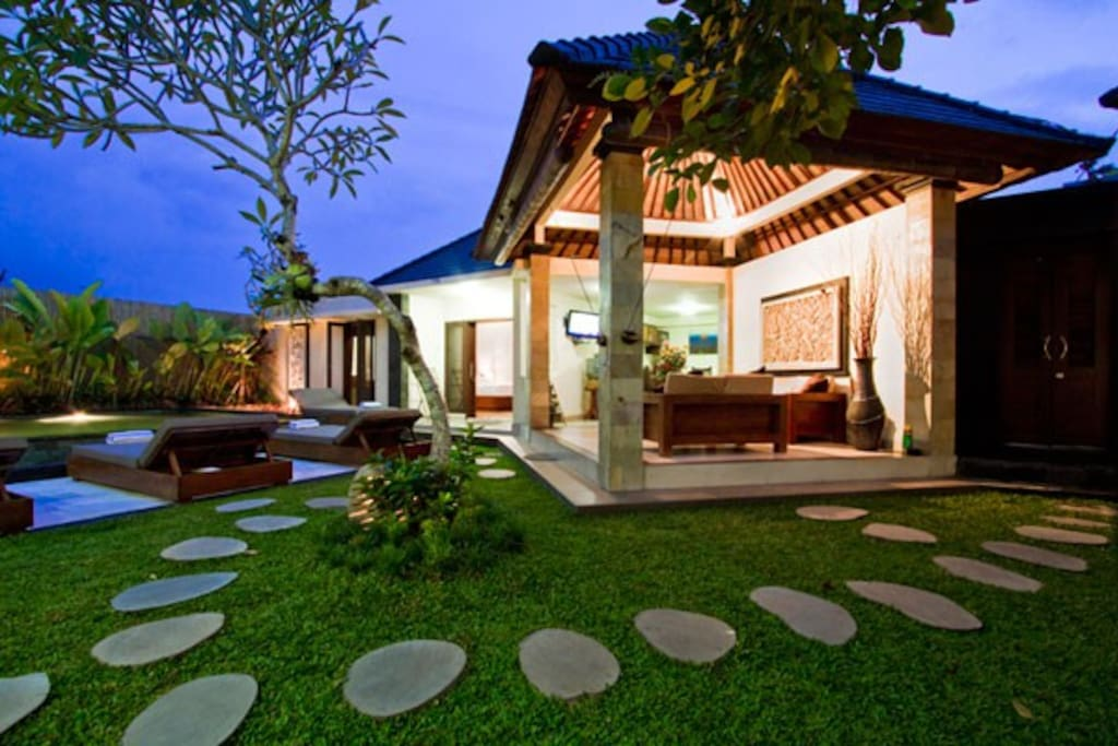 3 bedrooms Private Villa, seminyak