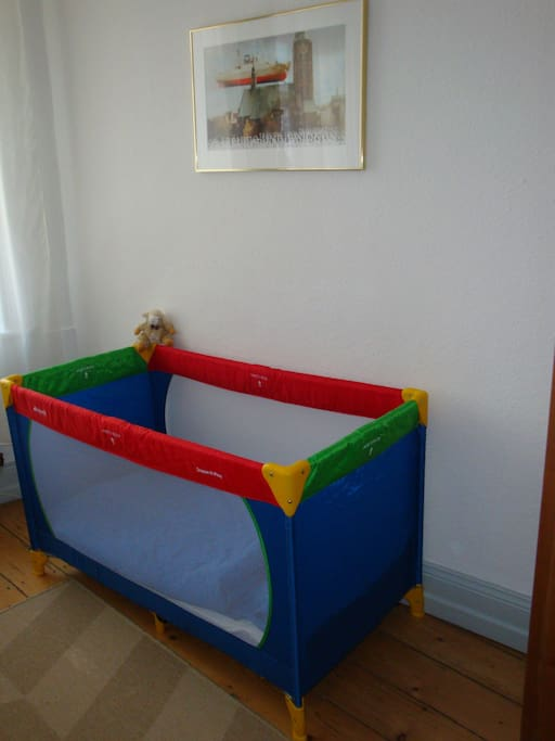 2 x Babybett möglich im Schlafzimmer